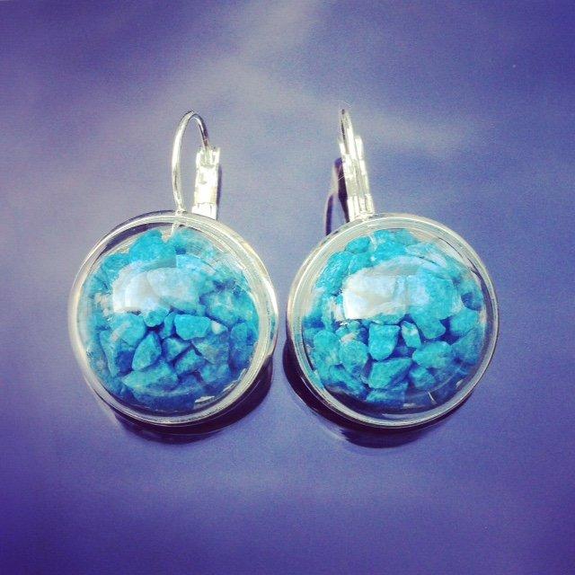 BLUE SEA Ryškiai mėlyni akmenukai